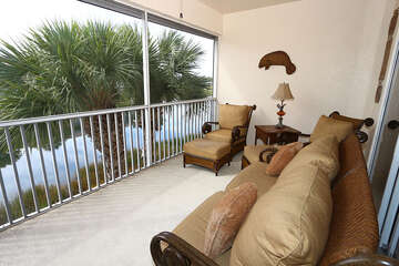 Screened in Lanai/Porch over lookikng lake