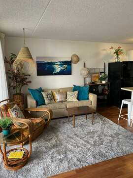Fresh remodel for you to enjoy in 2021! Light and airy, welcome to Hawaii.