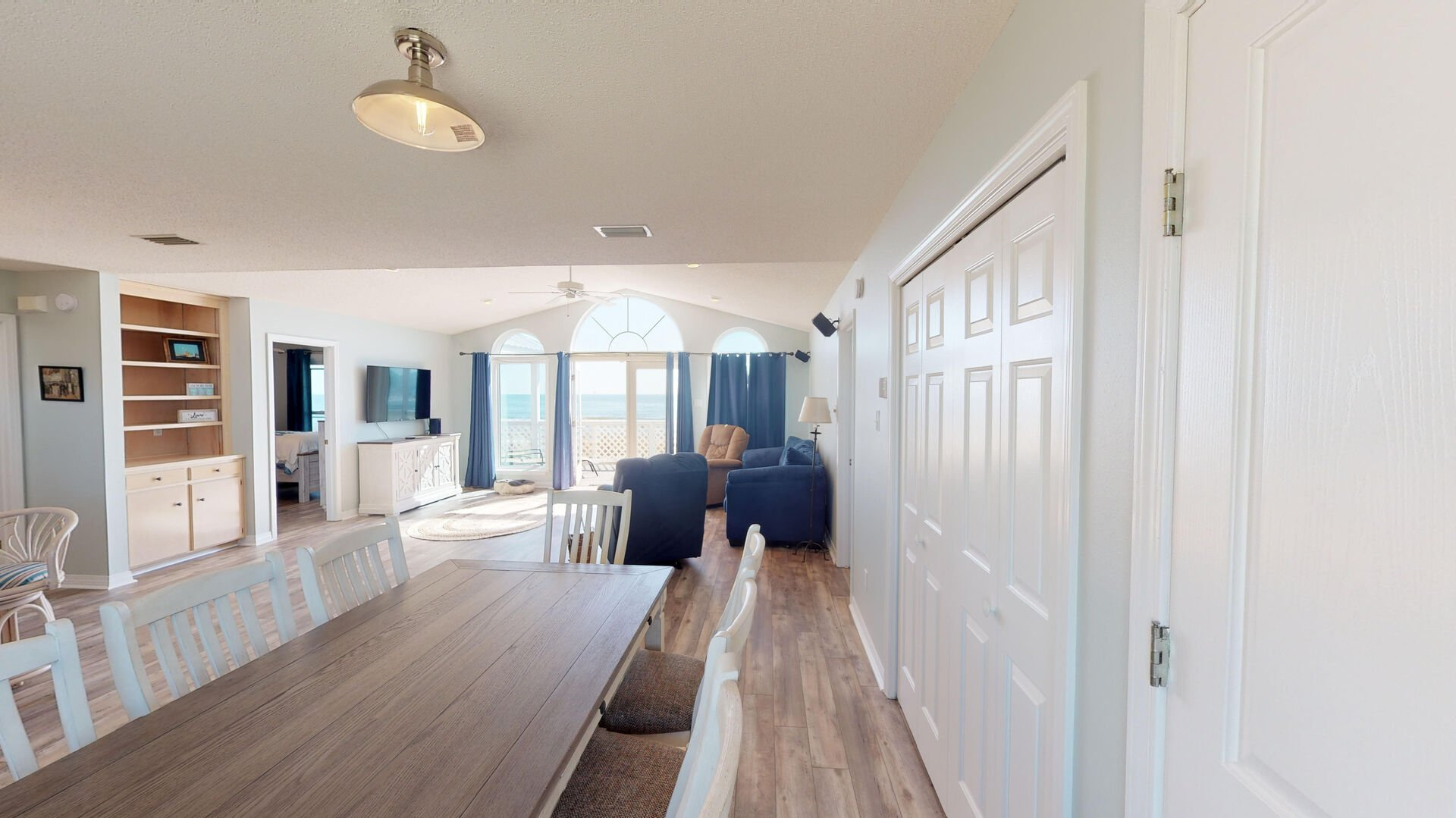 Enjoy Dinner with a View in Ft Morgan Al Vacation Rental.