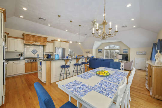 Open dining and living! 306 Millway Barnstable Cape Cod New England Vacation Rentals