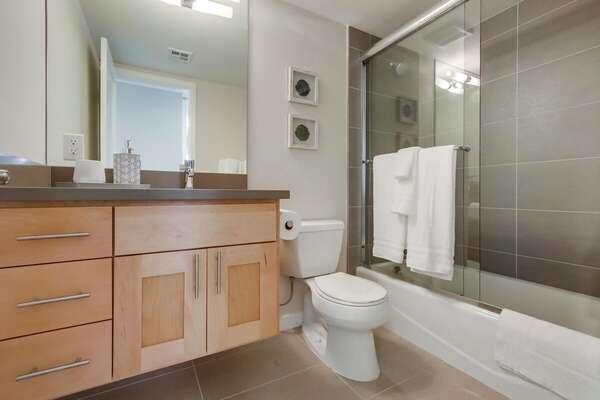 Full Guest Bath - Second Floor