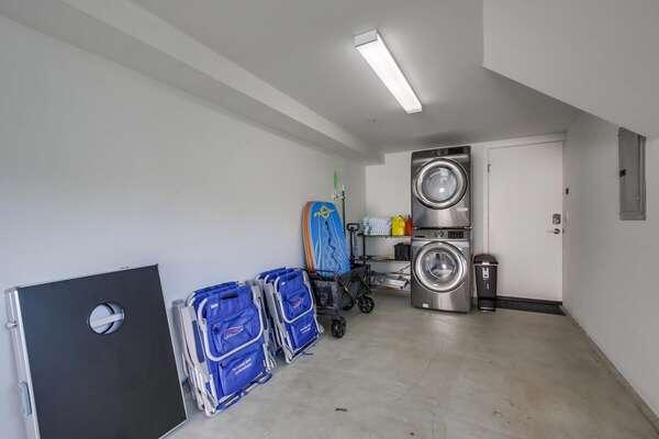 Washer/Dryer + Beach Items