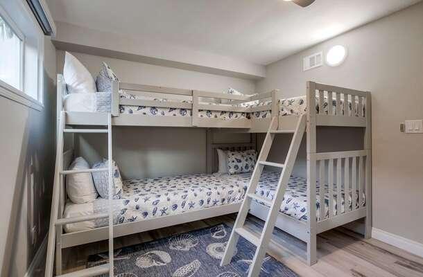 Bedroom with Quadruple Bunk Bed.