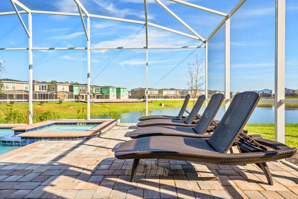 Work on your tan in one of the sun loungers