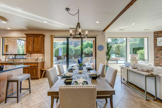 Open and Bright with Red Rock Views