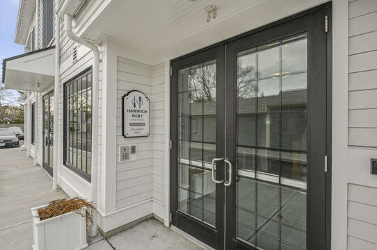 Side Entry - Unit 201, 557 Route 28 Harwich Port,Cape Cod, New England Vacation Rentals