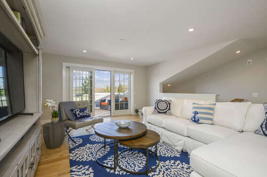 Spacious bonus room with easy access to the rooftop terrace! Unit 201, 557 Route 28 Harwich Port, Cape Cod, New England Vacation Rentals