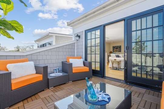Welcome to TJs Tide! Whats better then your own private rooftop terrace. Unit 201 557 Route 28 Harwich Port, Cape Cod, New England Vacation Rentals