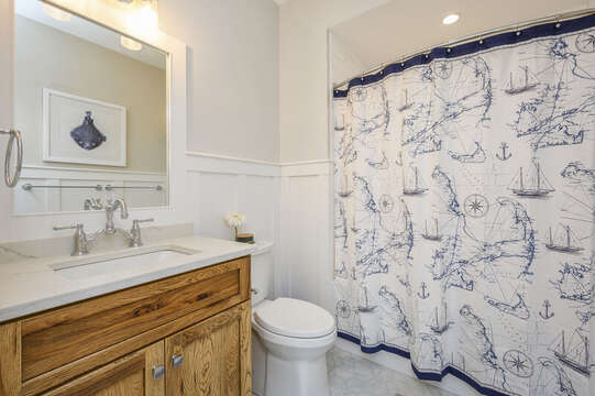Bathroom #2 full bath with tub shower combo.Unit 202, 557 Route 28, Harwich Port, Cape Cod, New England Vacation Rentals