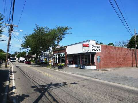Georges Pizza in Downtown Harwich Port, Cape Cod, New England Vacation Rentals.
