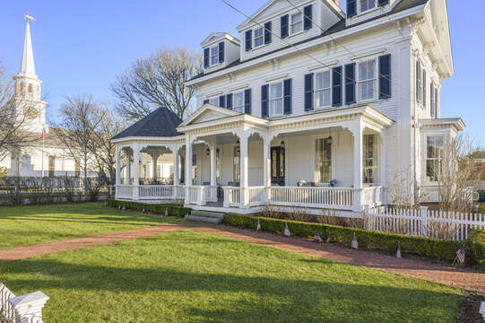 The Mooring. 525 Route 28, Harwich Port, Cape Cod, New England Vacation Rentals