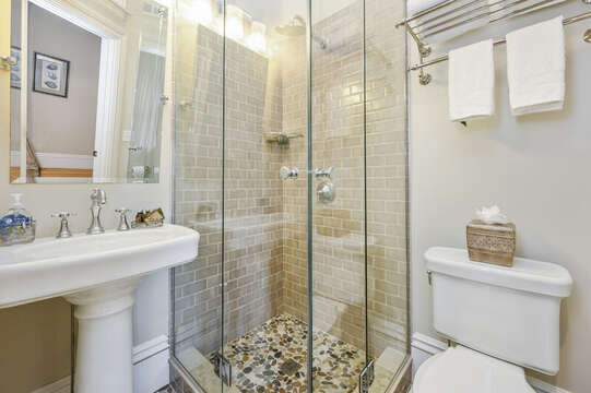 En suite Bath for the Edgartown Bedroom. 525 Route 28, Harwich Port, Cape Cod, New England Vacation Rentals