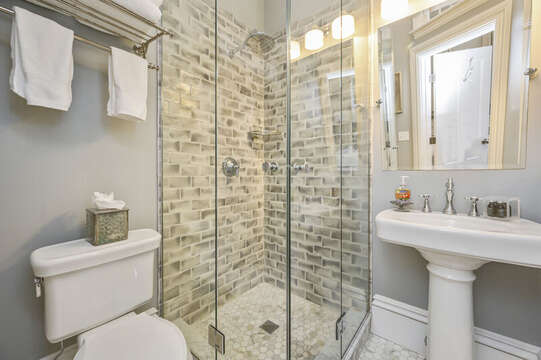 The Ensuite bath for the Key West bedroom. 525 Route 28, Harwich Port, Cape Cod, New England Vacation Rentals