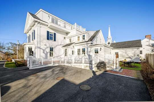 Plenty of parking! 525 Route 28, Harwich Port, Cape Cod, New England Vacation Rentals