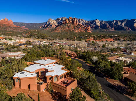 You Feel Away From It All Yet You Are Located in Uptown Sedona and Close to Shopping, Restaurant, Hiking and More!