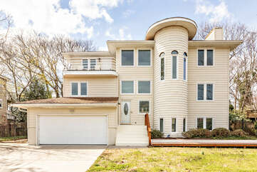 The Surfside Retreat House is a 3 Story Private Residence in the sought after oceanfront community of Croatan, Virginia Beach.