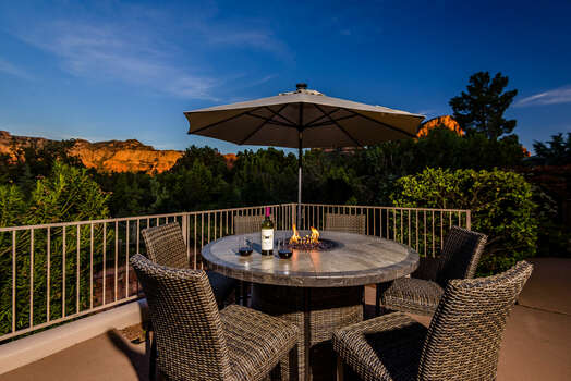 Enjoy Your Favorite Cocktail or Meal and Watch the Red Rocks Glow as the Sunsets