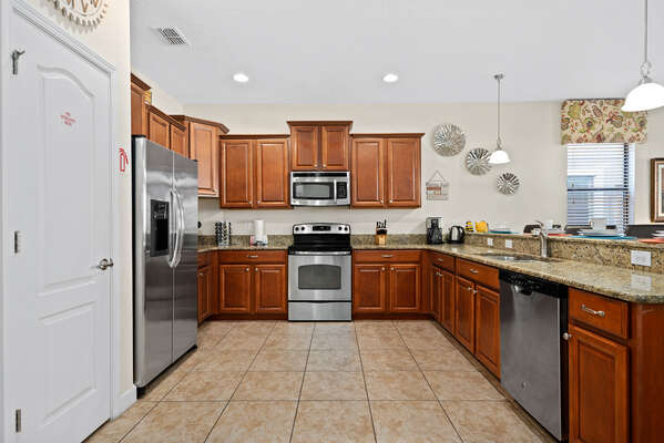 The fully equipped kitchen has everything you need to prepare a delicious meal