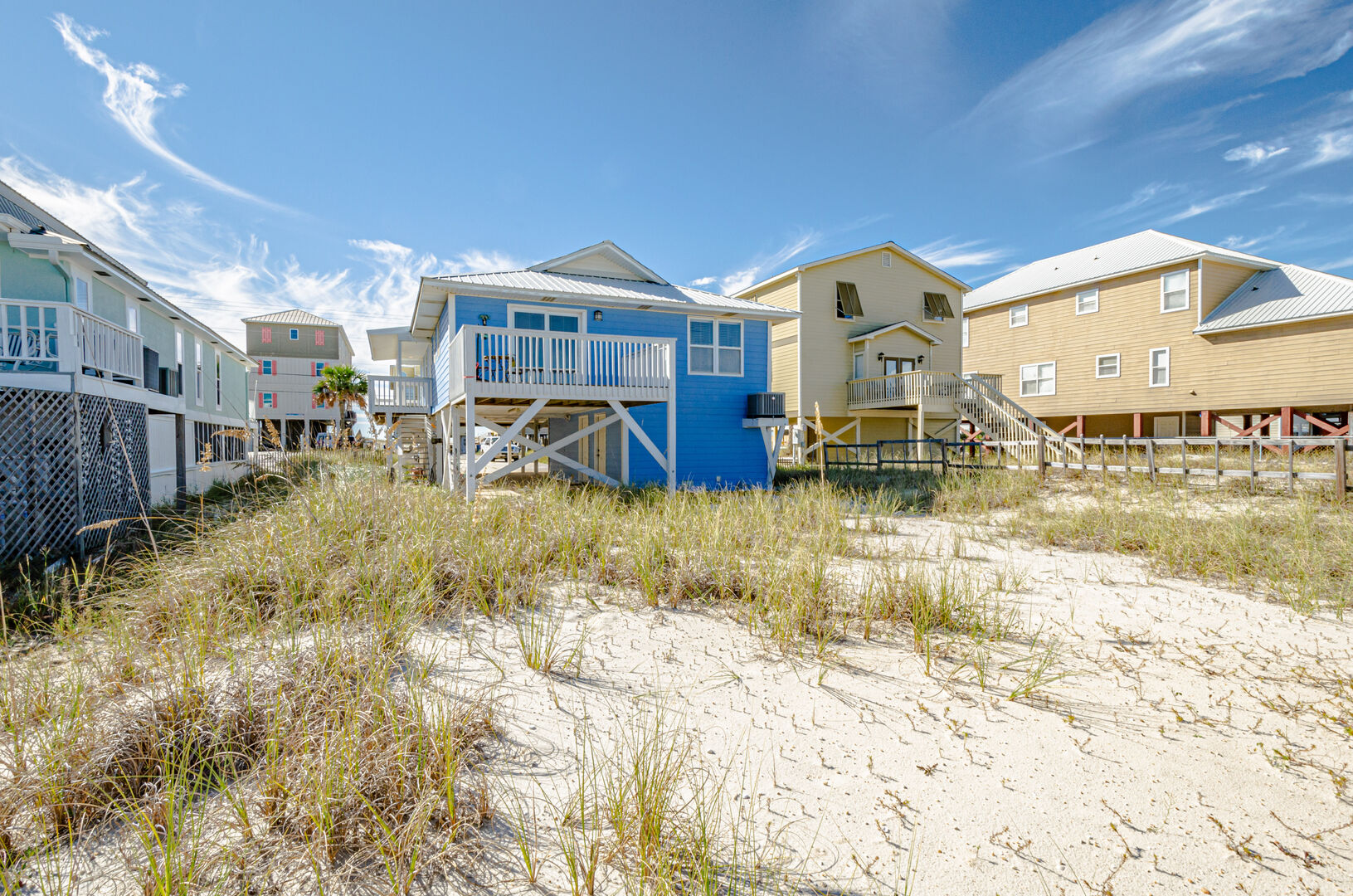 Large back yard of this Gulf Shores Beach House Rental.