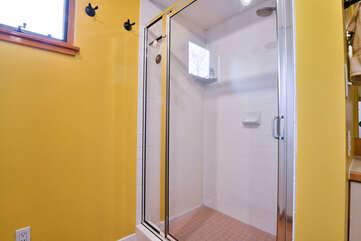 Bathroom Shower in Hazel Rental Cottage