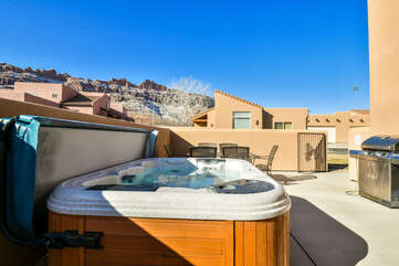 Private Hot Tub and Grill Rim Village Lodging
