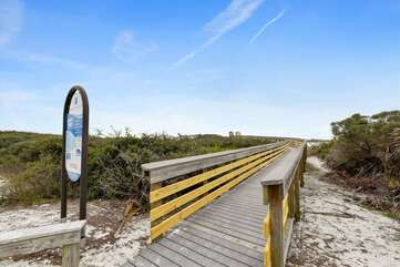 Beach access that is a short 5-7 minute walk from the house