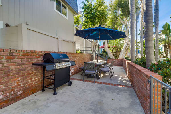 BBQ Grill and Outdoor Dining of this Vacation Rental Near San Diego.