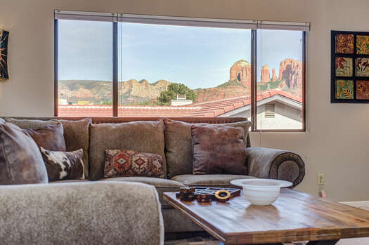 Red Rock Views and Natural Landscaping