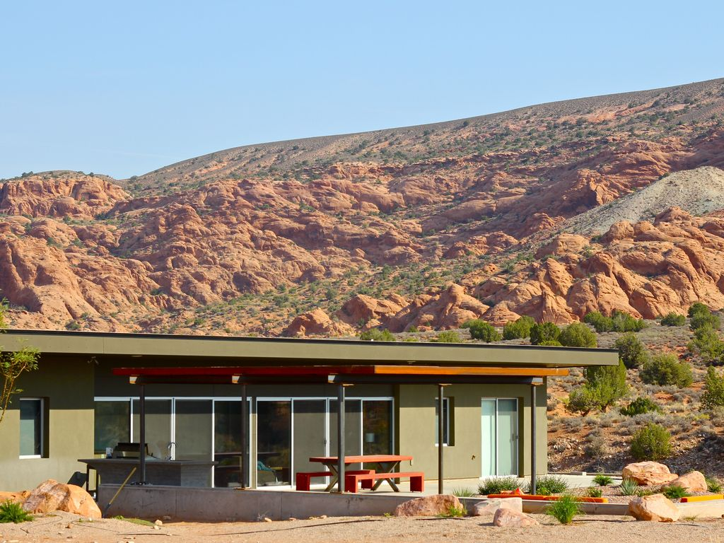 Exterior and Stunning Views of our Moab Utah vacation home