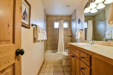 Shared Bathroom Lodging in Moab Utah Area