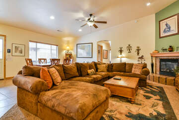 Large Livingroom for the Entire Family Lodging in Moab Utah Area