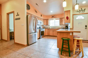 Full Kitchen with Plenty of Space Lodging in Moab Utah Area