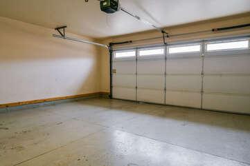 Garage and Parking Lodging in Moab Utah Area
