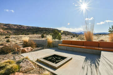 Firepit and plenty of outdoor seating