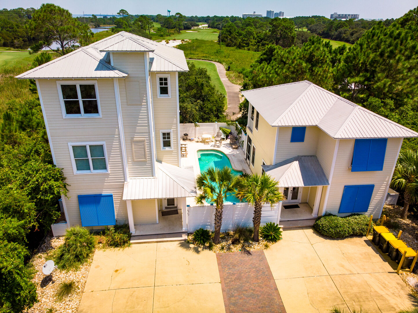 Welcome to The Beach Iris! (Main house pictured on the left)