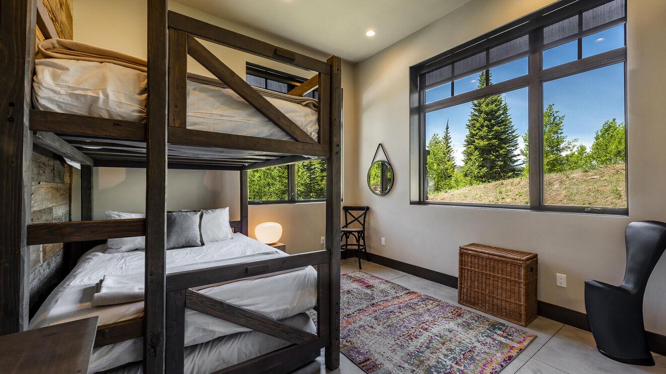 Guest Suite 6, Bunk Room