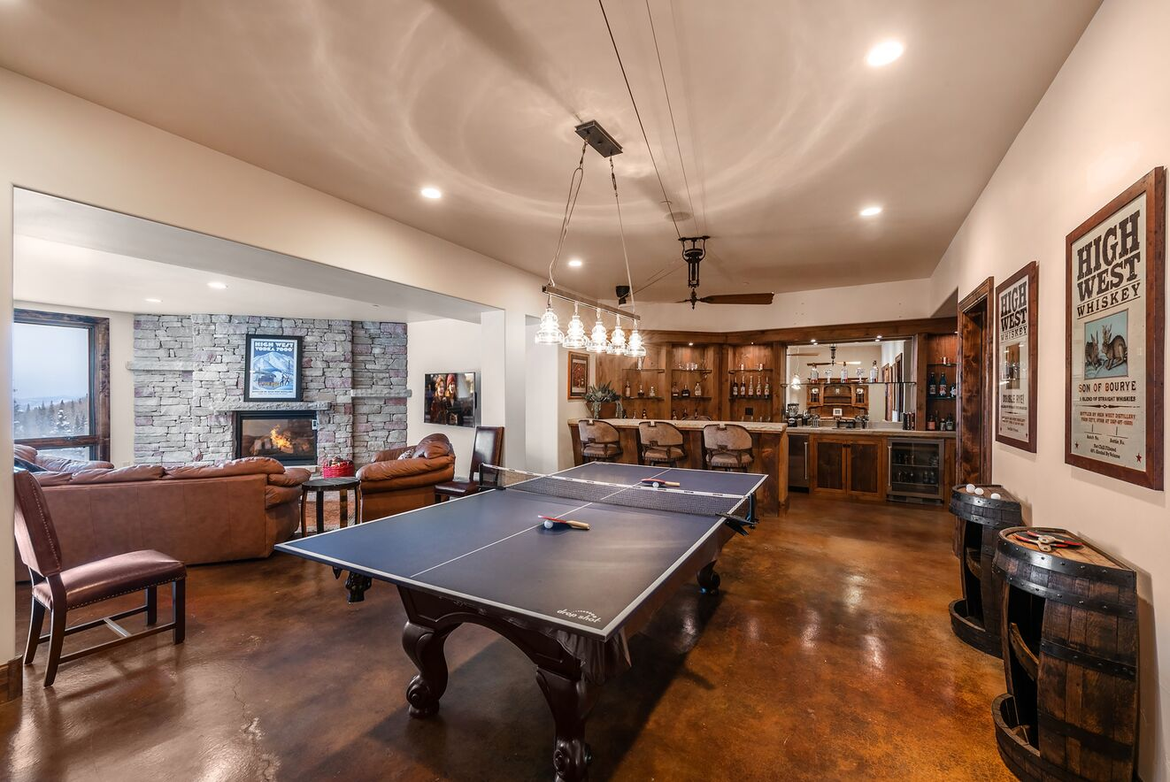 Recreation Room with Ping Pong