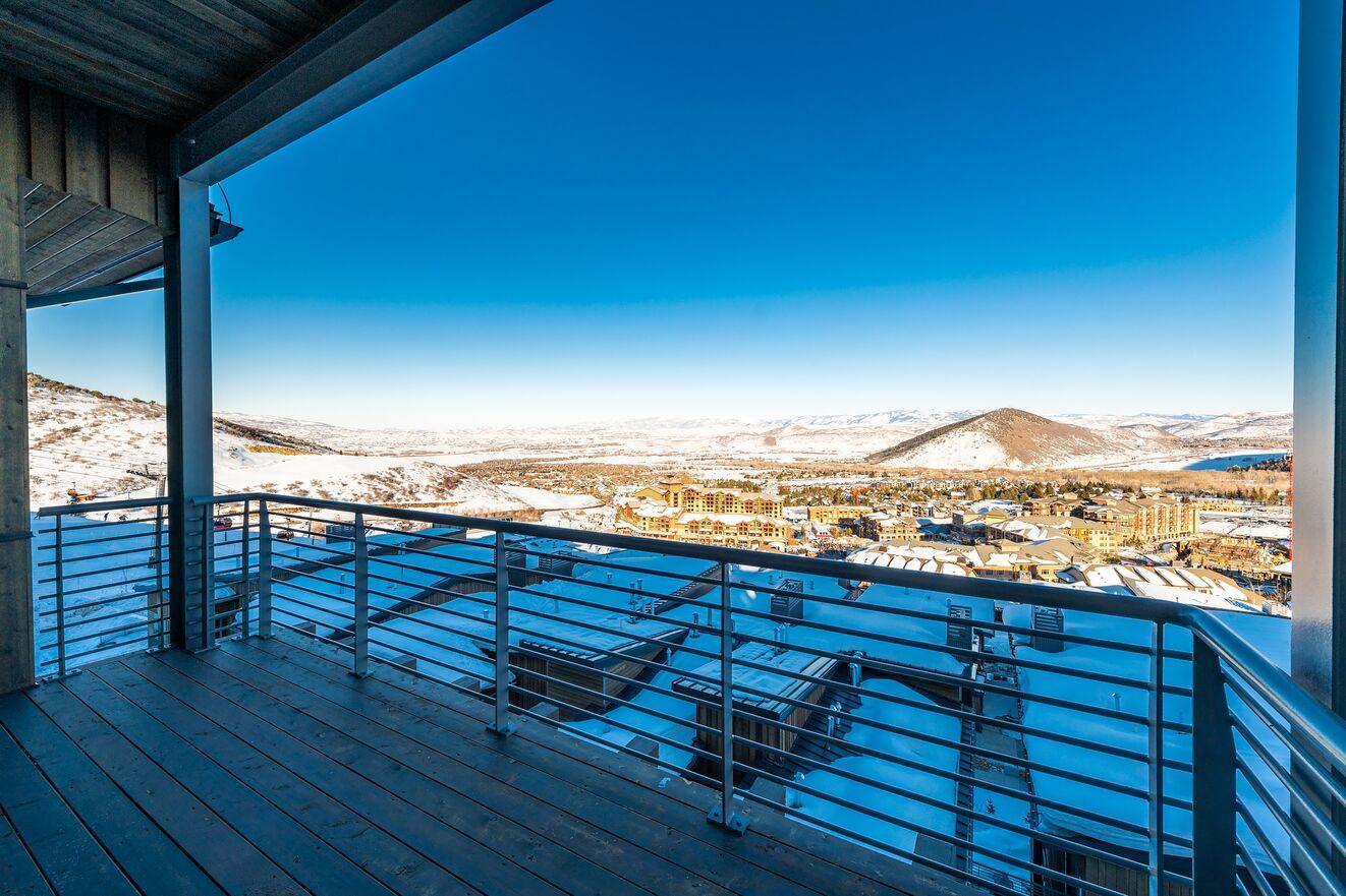 Private Balcony & Views