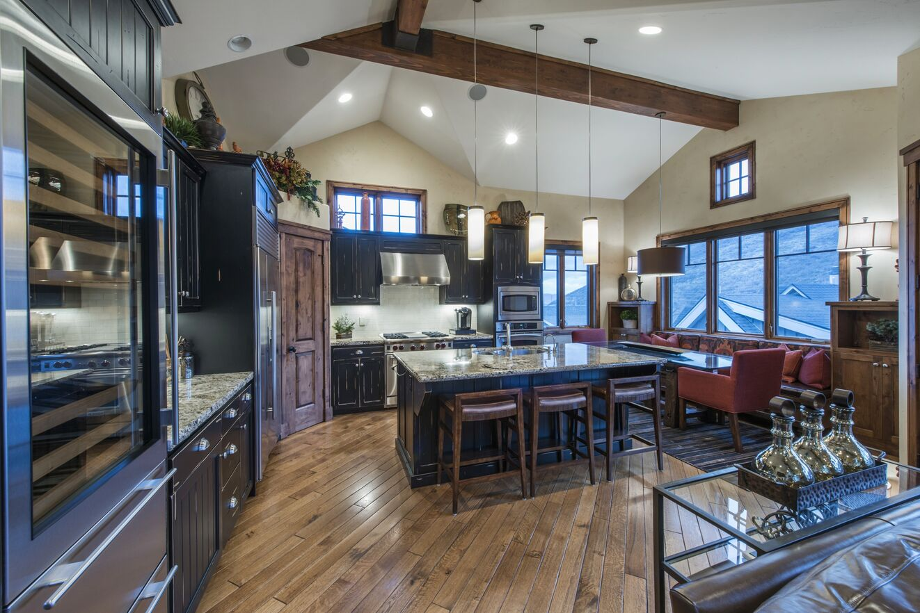Great Room with Breakfast Bar