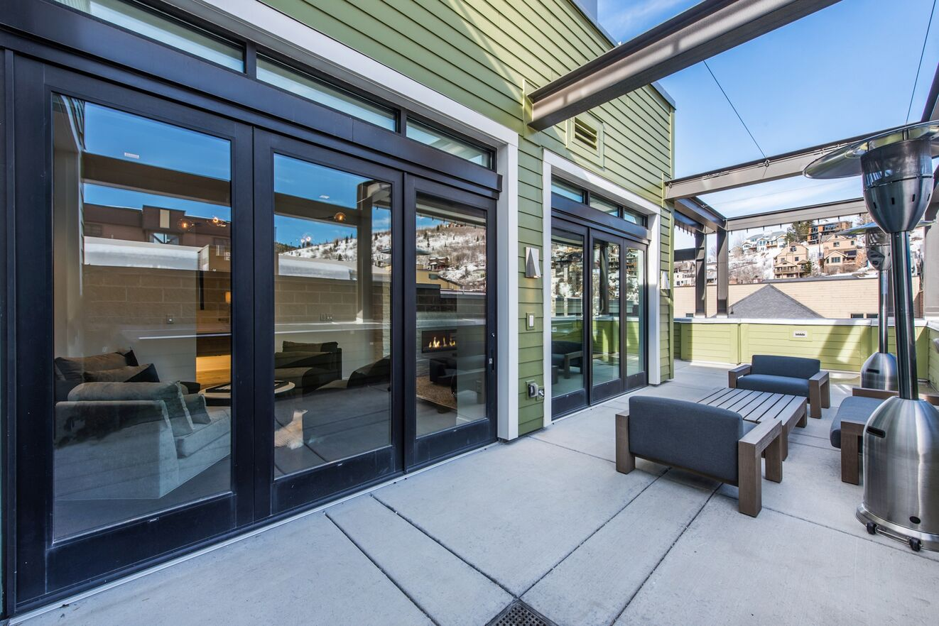 Lower Deck Outdoor Sitting Area