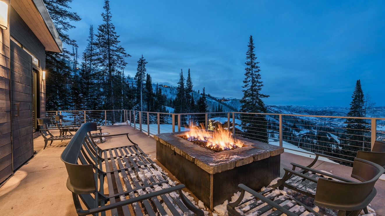 Fire Pit & Outdoor Living Area in Winter