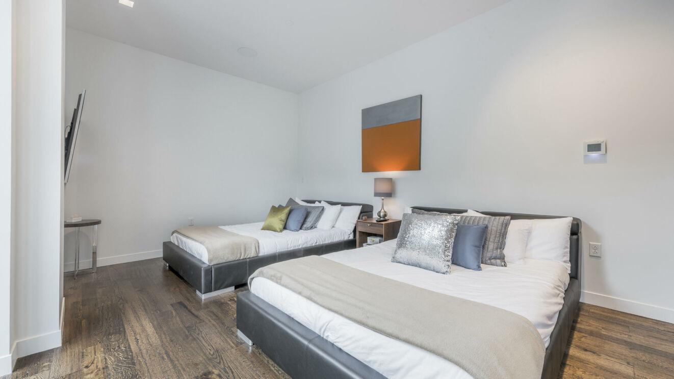 Lower Level Guest Suite 2