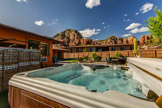 Private Backyard with a Hot Tub and Gorgeous Views!