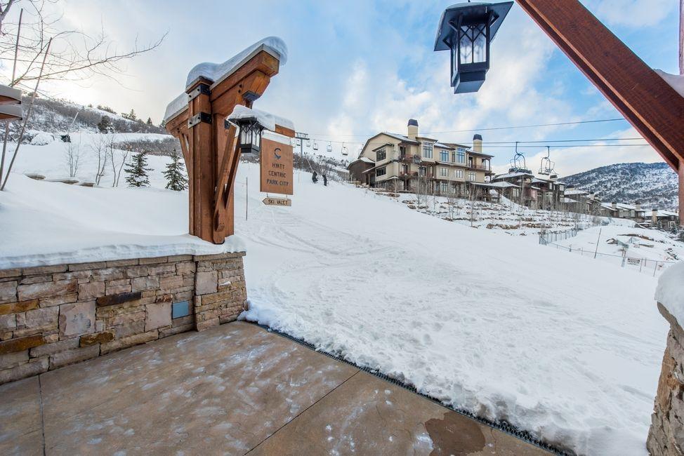 Ski-In/Ski-Out Valet