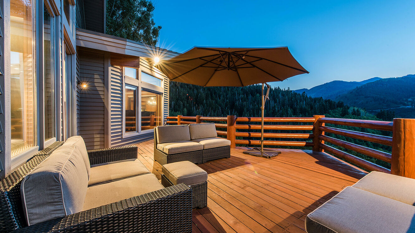 Private Deck with Lounge Seating