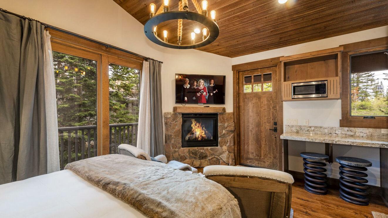 Guest House, Suite 5