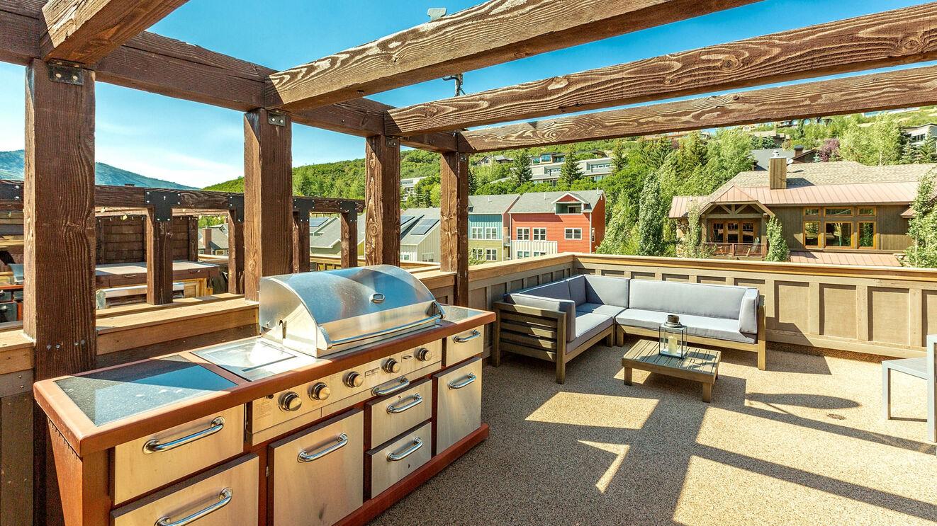 Rooftop Deck & Gourmet Grill