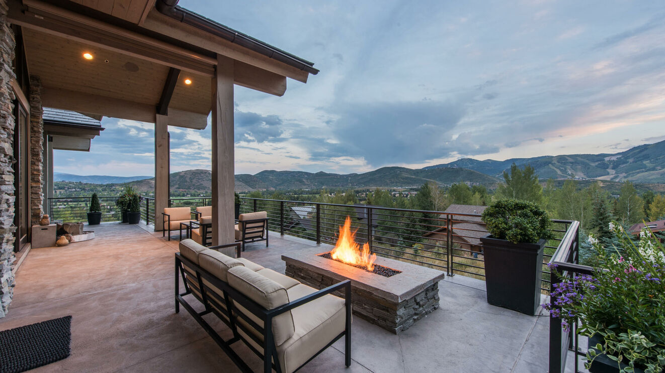 Deck with Gas Fire Pit