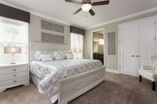 A third master suite located on the ground floor has a king bed and en-suite bathroom