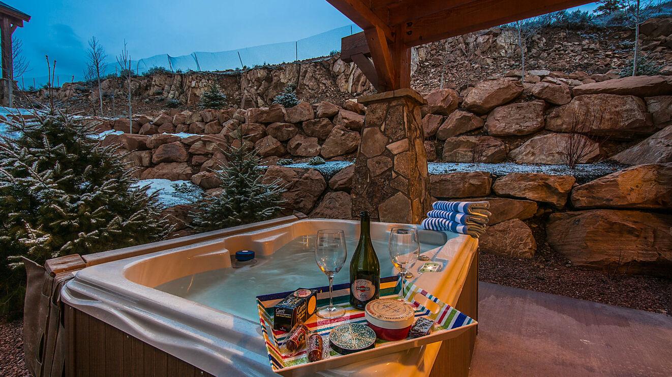 Private 4-Person Hot Tub